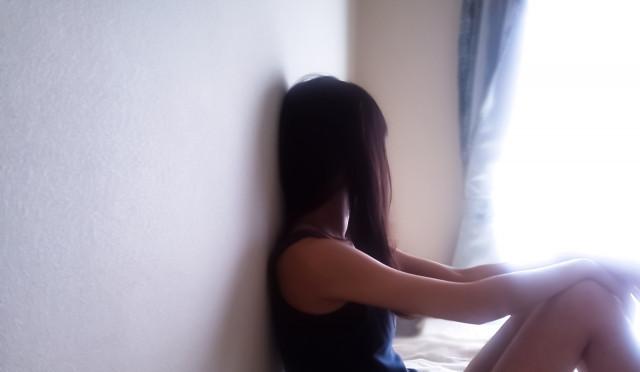 うつ病の女性写真